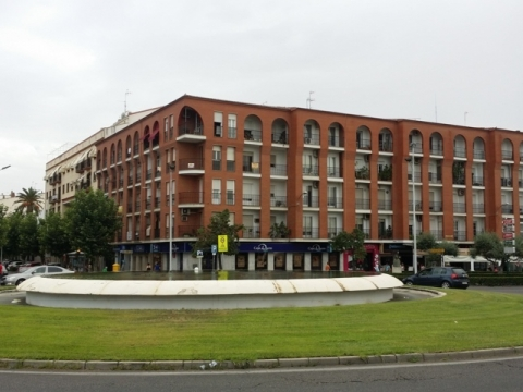 Apartamento amueblado en principal calle comercial de Don Benito...